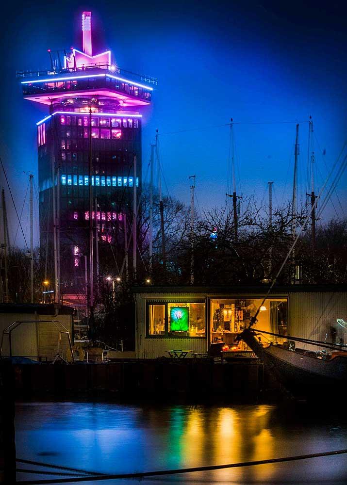Lichtjuweel van het IJplein aan de Sixhaven, december 2018